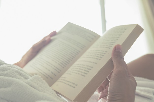 gros plan sur un livre ouvert